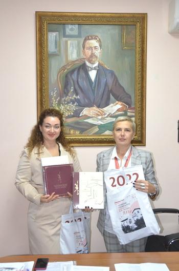Светлана Плугатарь и Лариса Ковальчук